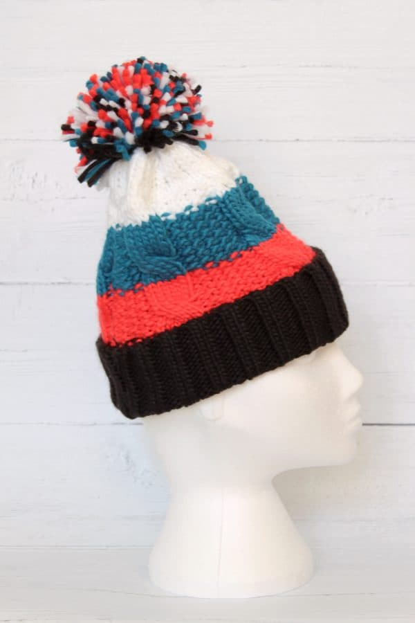 CORAL CHUNKY BOBBLE HAT